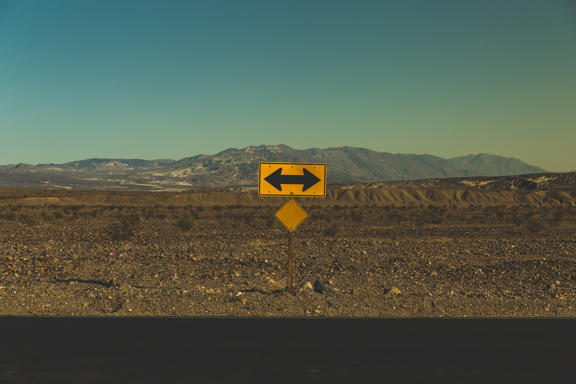 arrows sign on the road